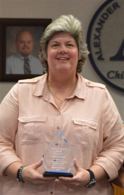 Amy Pruett receives Civitan Servant's Heart Award