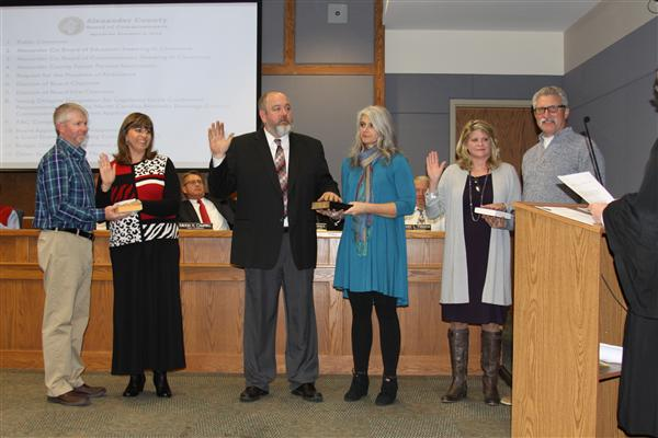 Returning School Board Members Sworn In and Chair Positions Named